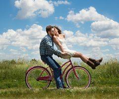 Mitos del amor romántico I: El mito de la media naranja